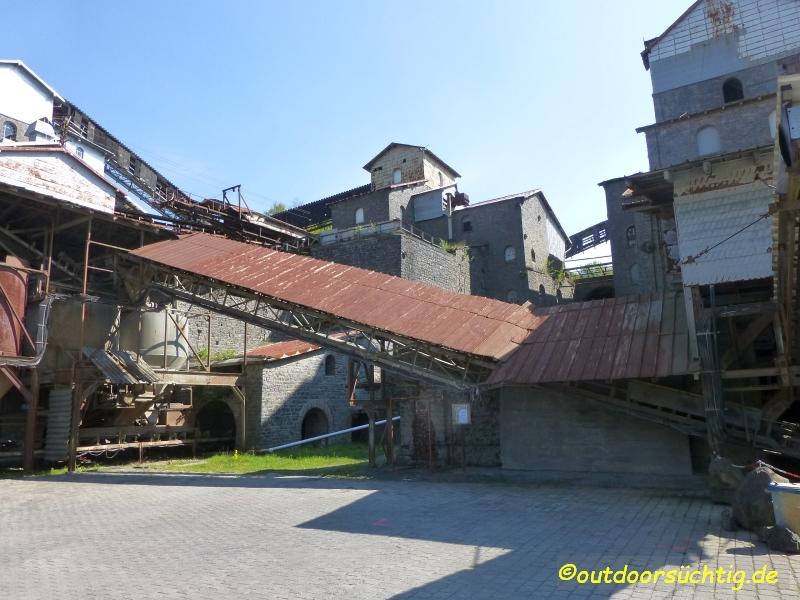 Von 1902 bis 2000 wurde am Stöffel Basalt abgebaut